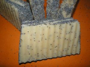 Kecsketejes mákos levendula szappan készítés
